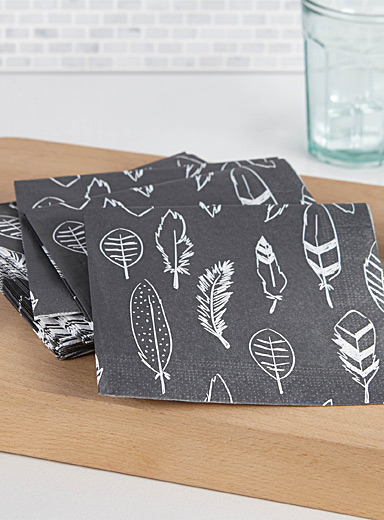 Feather paper napkin  33 x 33 cm. Pack of 20.