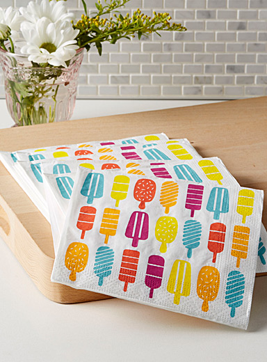 Frozen treat paper napkins  33 x 33 cm. Pack of 20.