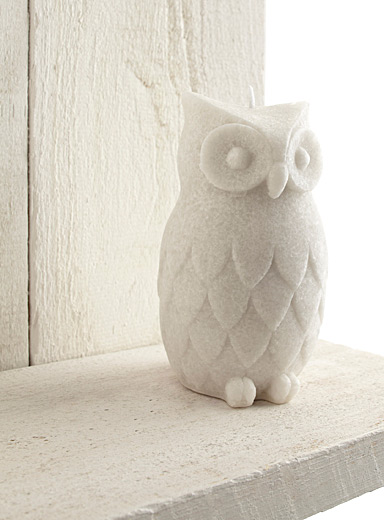 Sculpted owl candle