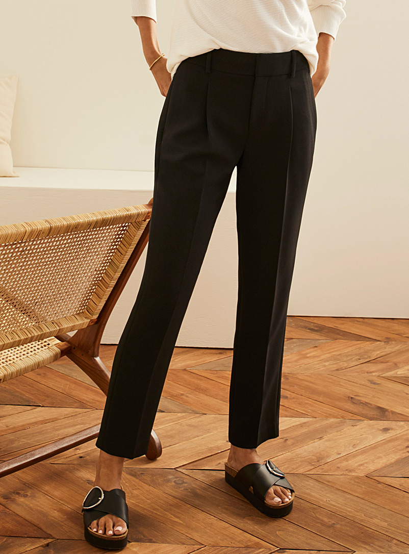 Contemporaine Black Techno crepe pleated pant for women