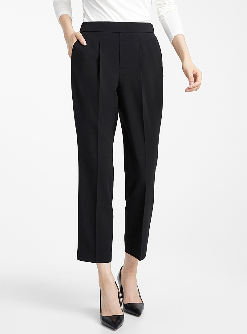 career-pleated-pant