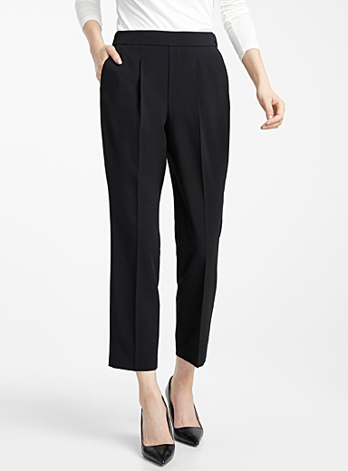 Career pleated pant