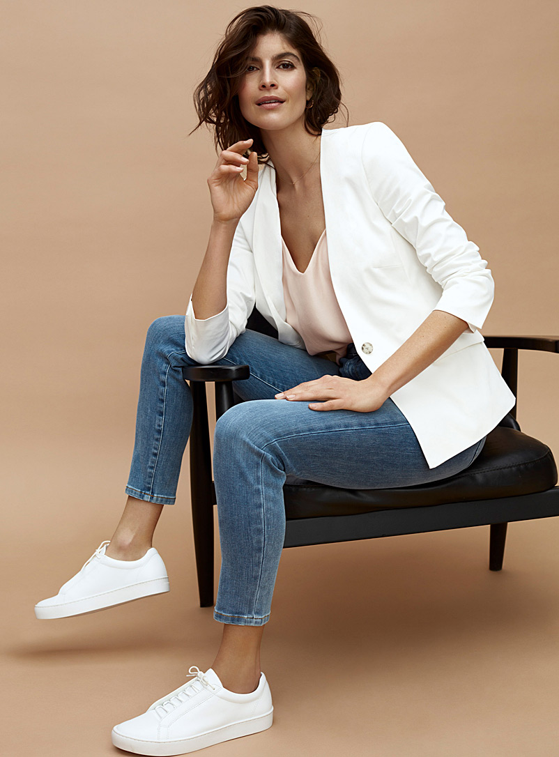Contemporaine White Cotton sateen collarless blazer for women