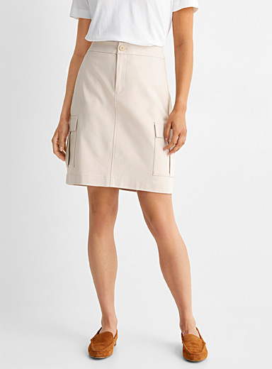 Flap pocket structured skort