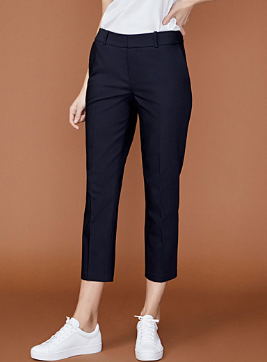 Structured semi-slim pant