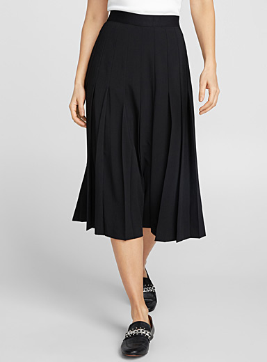 Wide pleat midi skirt