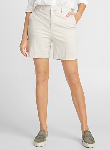 Sateen cuffed short