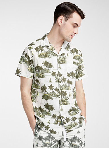 Hawaiian wallpaper shirt