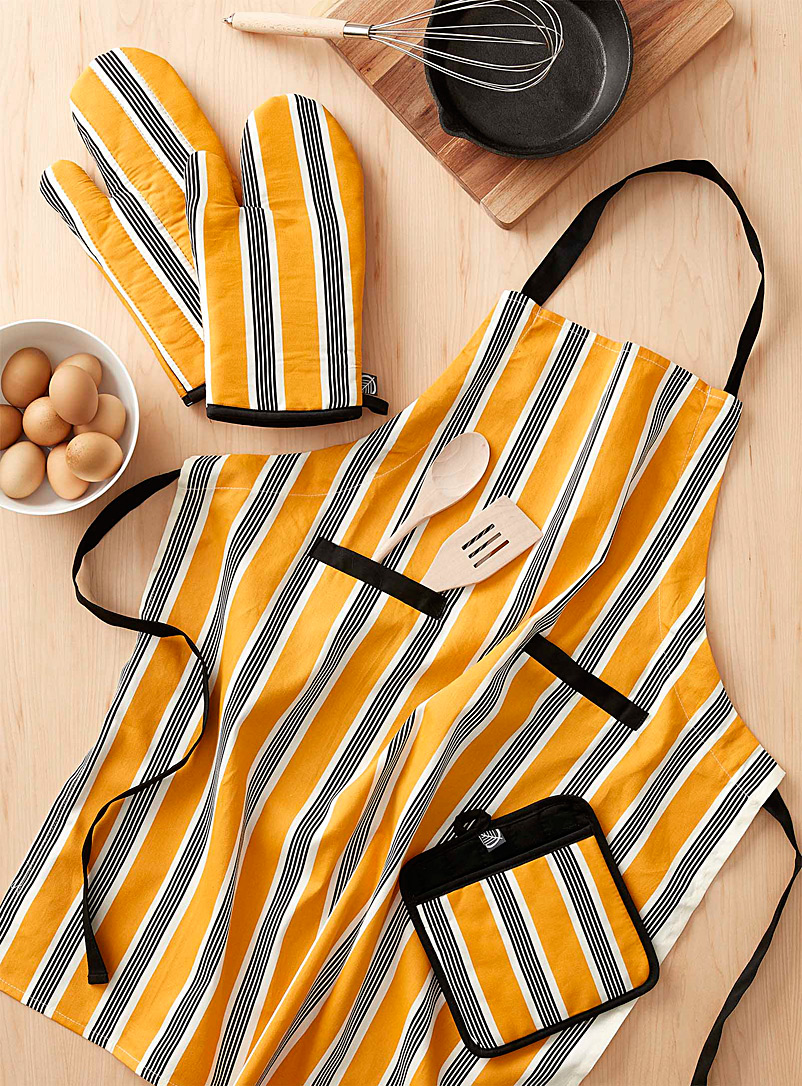 Retro-cool striped accessories