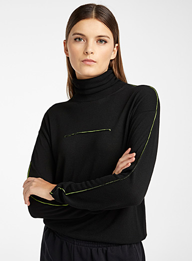 Contrast stitching sweater