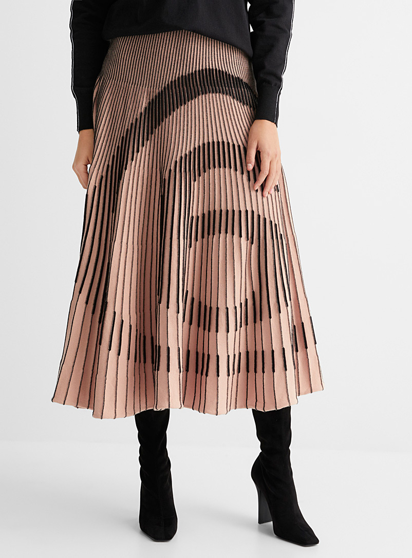 Pleated logo skirt