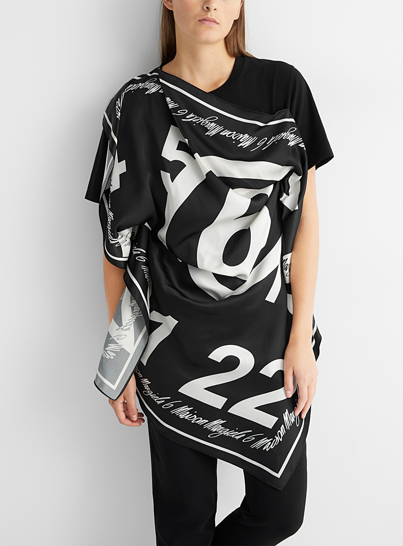 MM6 Maison Margiela Black and White Logo scarf T-shirt for women