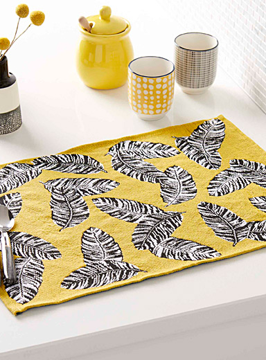 Tropical leaves tapestry place mat