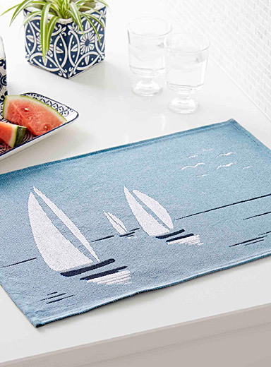 Sail day tapestry placemat
