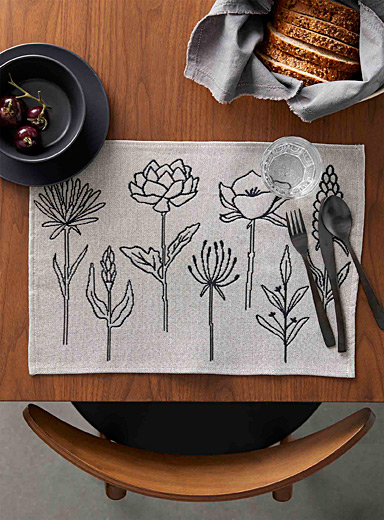 Floral simplicity tapestry placemat