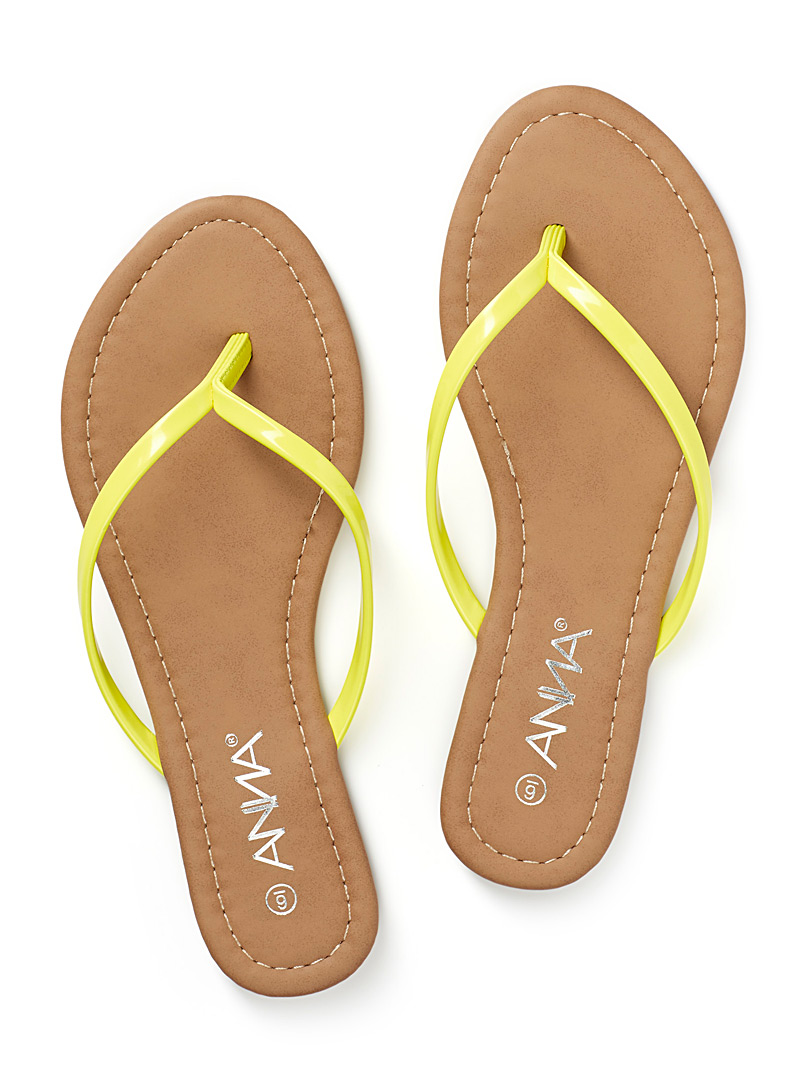 Patent leather flip-flops - Sandals - Golden Yellow