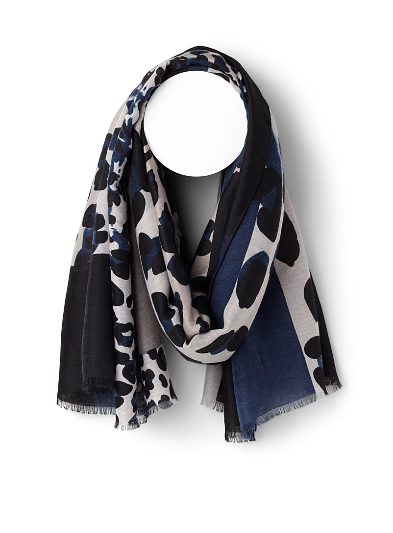 Geo abstraction scarf - Light scarves - Patterned Blue