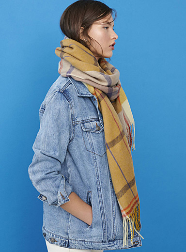 Simons Patterned Yellow Amber-toned check scarf for women