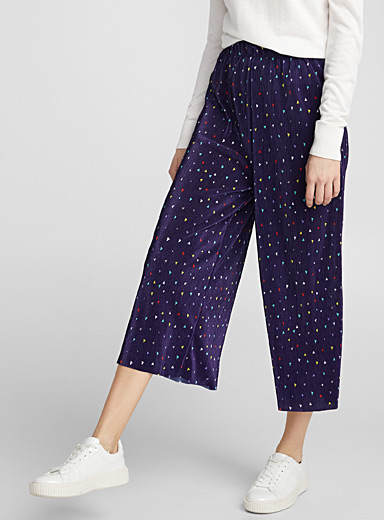 Bright triangle pleated pant