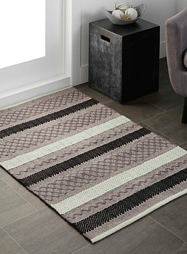 Graphic blocks rug <br>90 x 130 cm