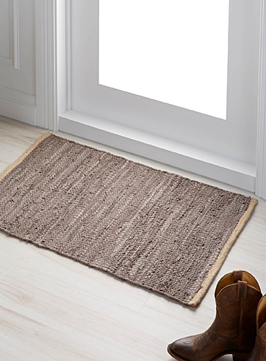 Braided leather rug <br>60 cm x 90 cm