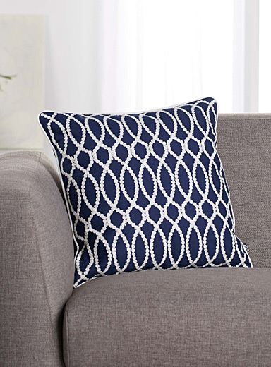 Embroidered chain-link cushion