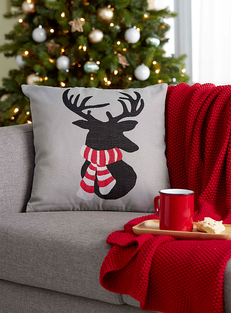 bundled-up-reindeer-cushion-br-45-x-45-cm