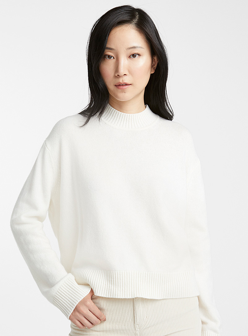 lesei-ribbed-high-neck-sweater