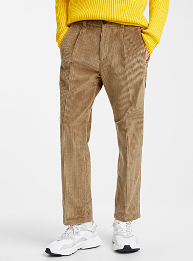 Wide-wale corduroy pant <br>Slim fit