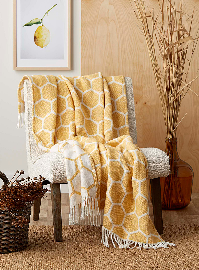 Simons Maison Patterned Yellow Honeycomb throw  130 x 150 cm