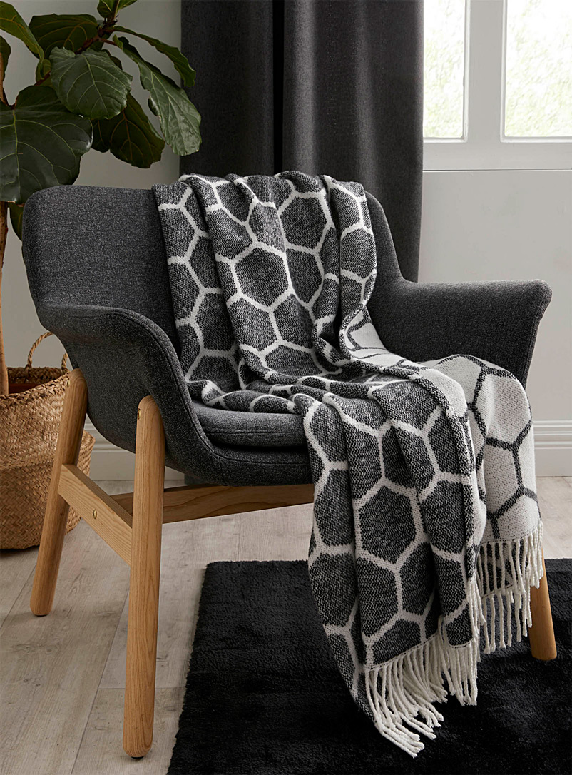 Simons Maison Patterned Black Honeycomb throw  130?x?150?cm