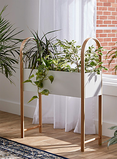 Bellwood plant stand