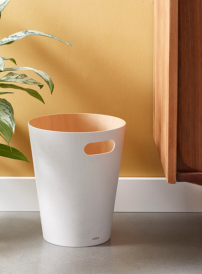 Umbra White Coloured wood wastebasket