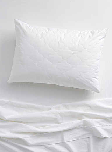 Duvetine pillow protector