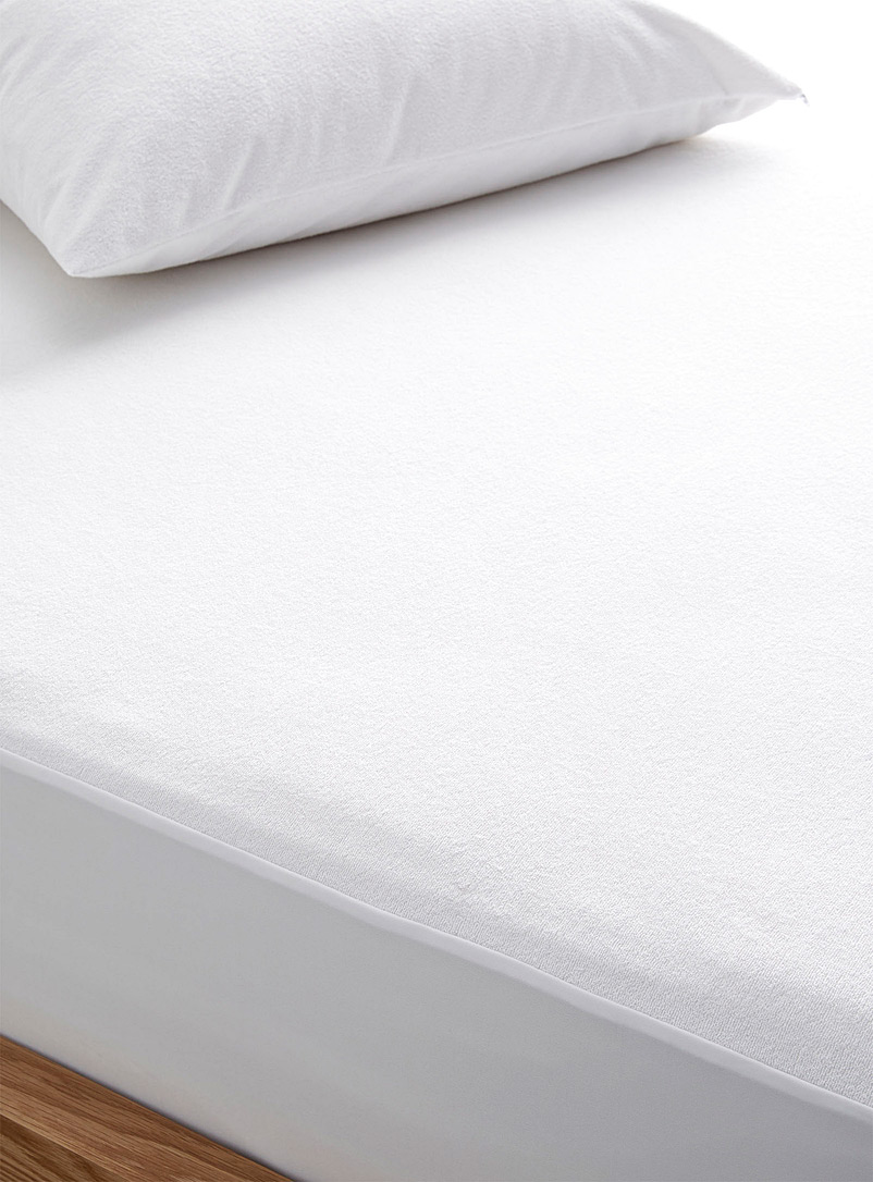 Simons Maison White Terry mattress protector